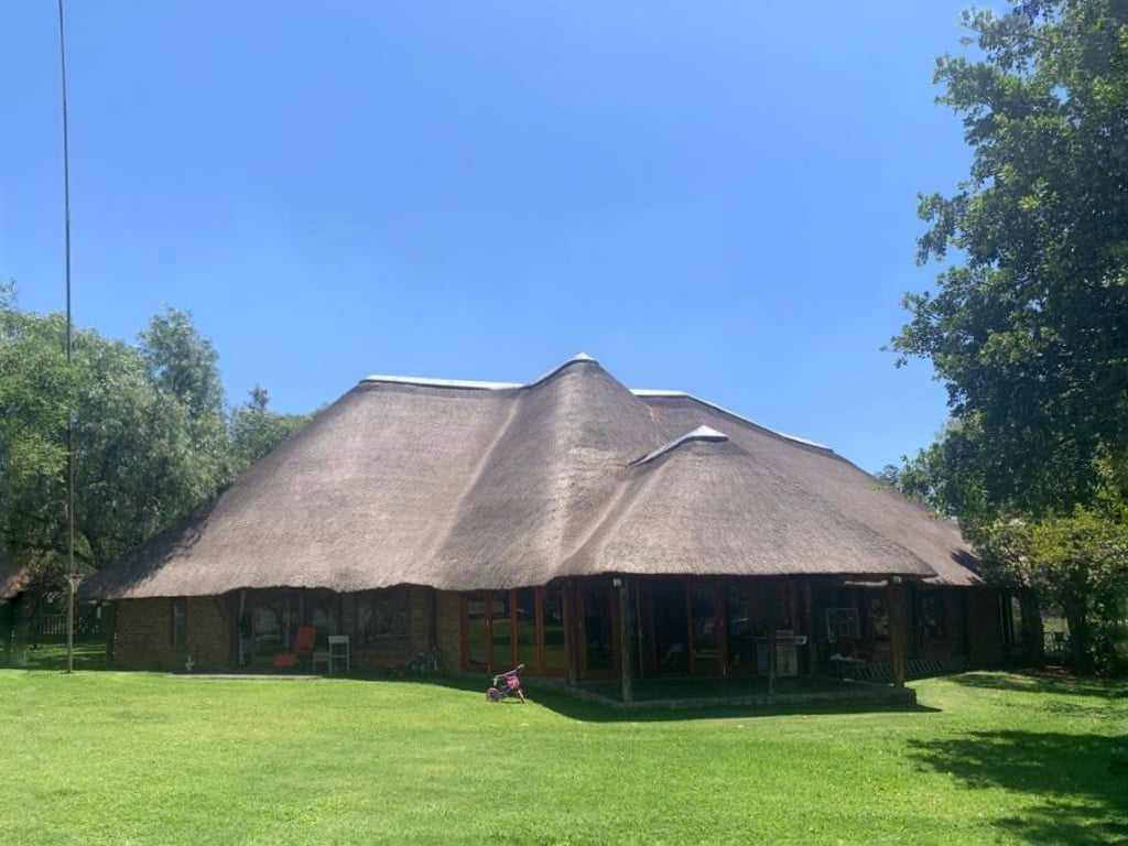 Lightning King - Lightning protection for thatch roof